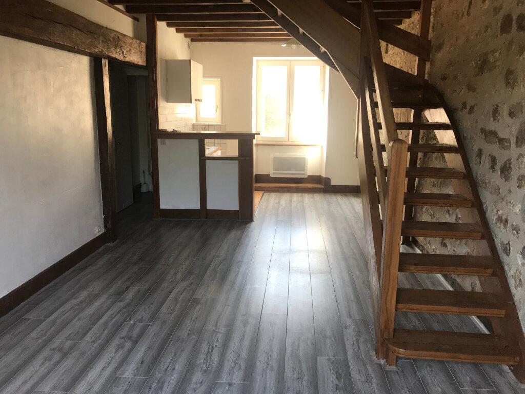 Appartement à louer 3 49.7m2 à Milly-la-Forêt vignette-1
