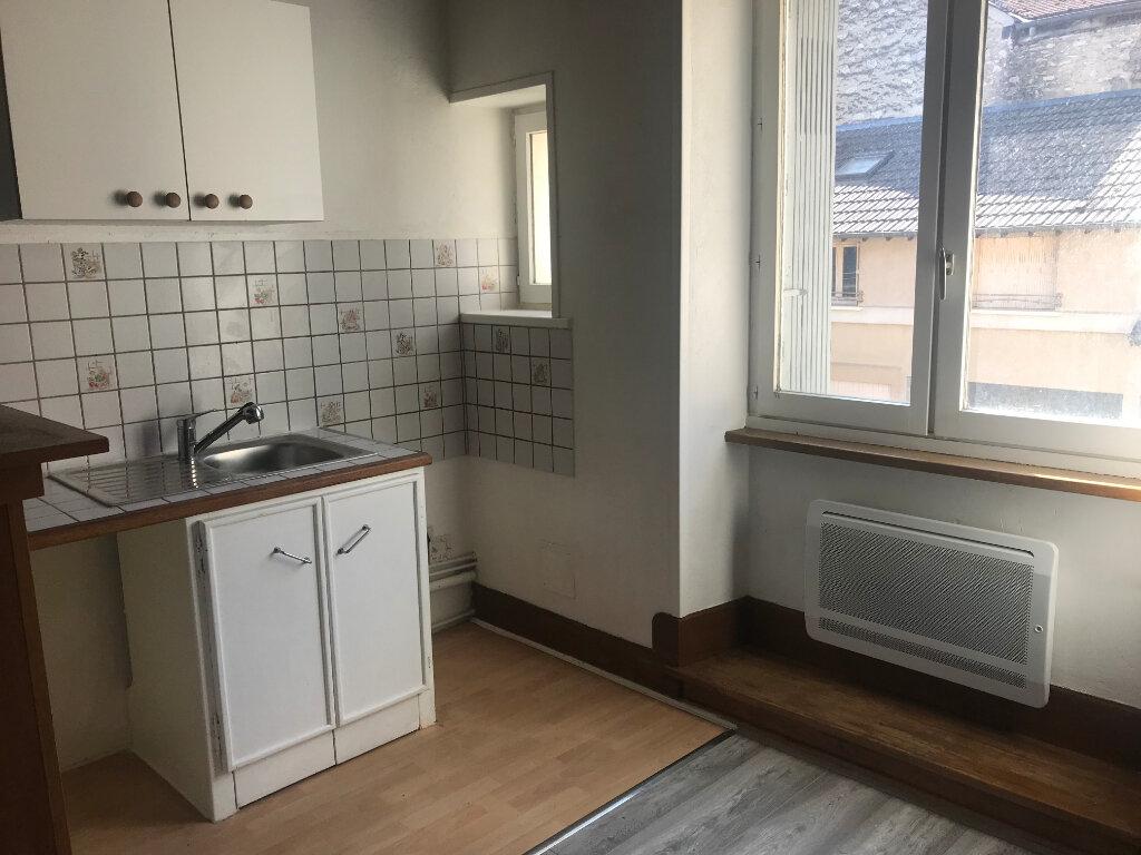 Appartement à louer 3 49.7m2 à Milly-la-Forêt vignette-3