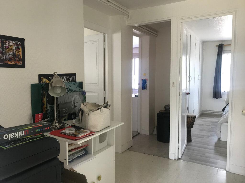 Maison à louer 3 68.62m2 à Oncy-sur-École vignette-5