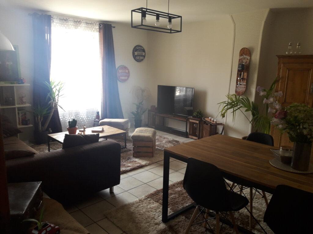 Appartement à louer 3 69.96m2 à Milly-la-Forêt vignette-1
