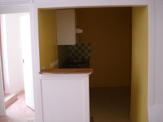 Appartement à louer 2 37m2 à Milly-la-Forêt vignette-1