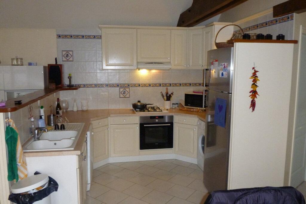 Appartement à louer 4 80.47m2 à Perthes vignette-4