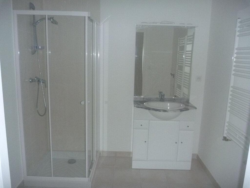 Appartement à louer 1 33m2 à Melun vignette-4
