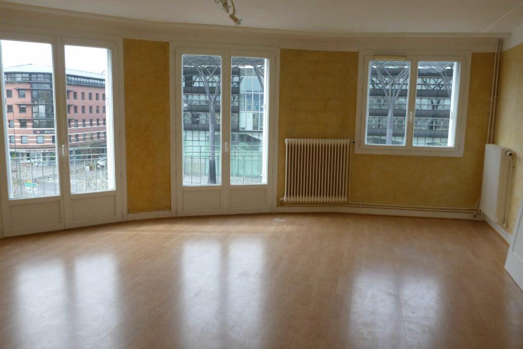 Appartement à vendre 3 71.79m2 à Melun vignette-3