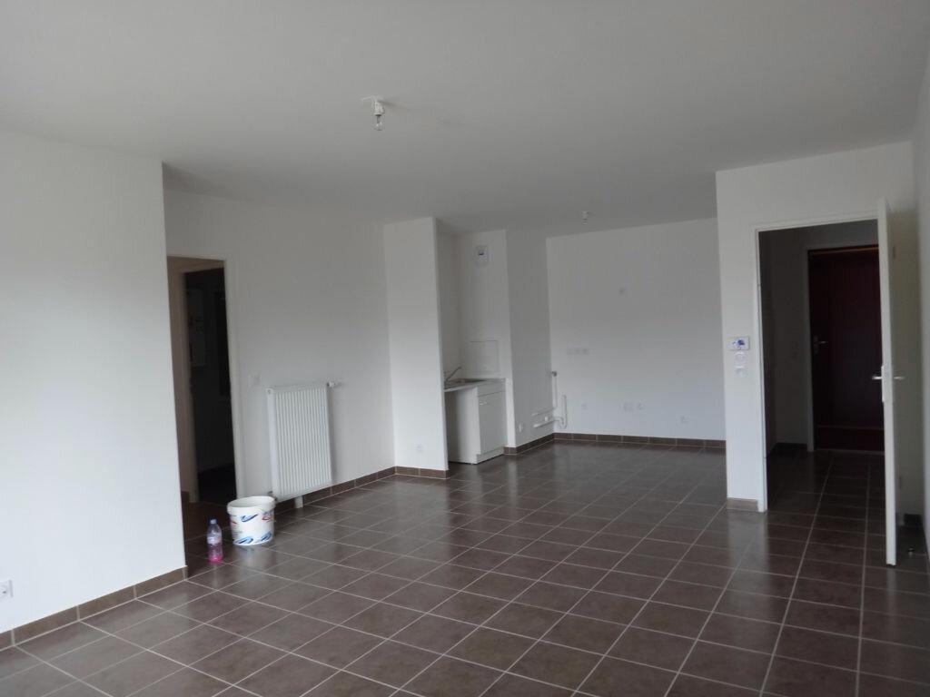 Appartement à louer 3 68.98m2 à Saint-Fargeau-Ponthierry vignette-3