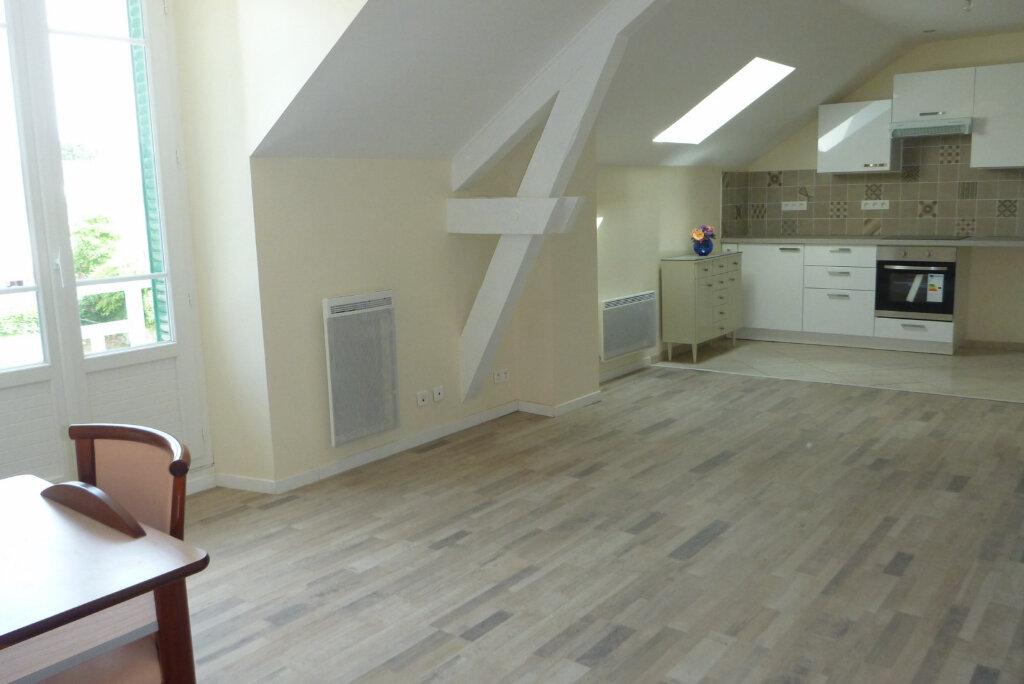 Appartement à louer 2 47.5m2 à Chailly-en-Bière vignette-1