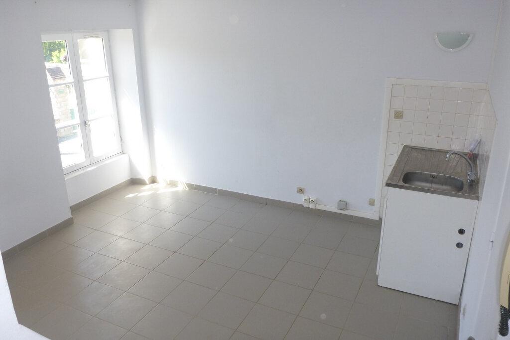 Appartement à louer 2 28.53m2 à Chailly-en-Bière vignette-2
