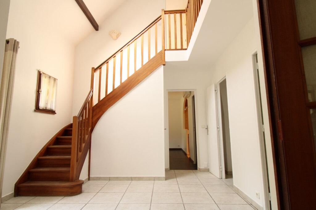 Maison à louer 7 169.62m2 à Barbizon vignette-2