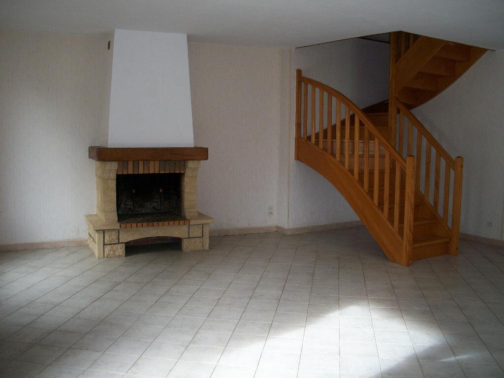 Maison à louer 4 101.1m2 à Avaray vignette-3