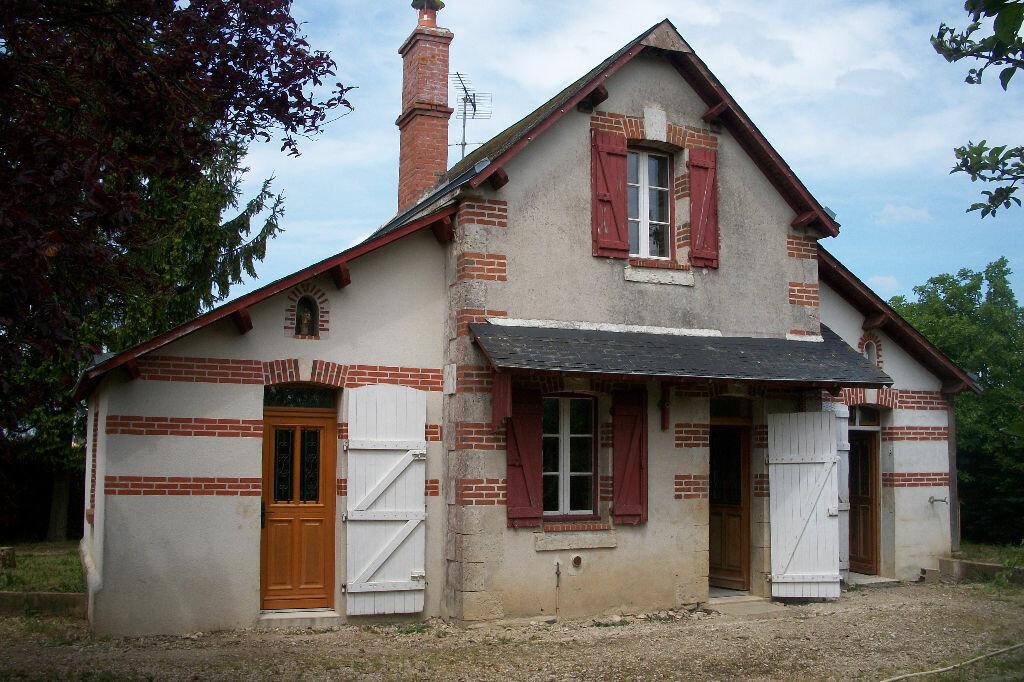 Maison à vendre 3 64m2 à La Chapelle-Saint-Martin-en-Plaine vignette-1