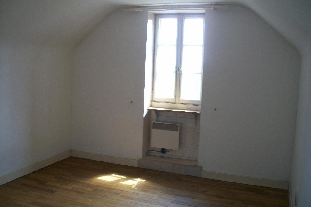 Maison à vendre 3 64m2 à La Chapelle-Saint-Martin-en-Plaine vignette-5