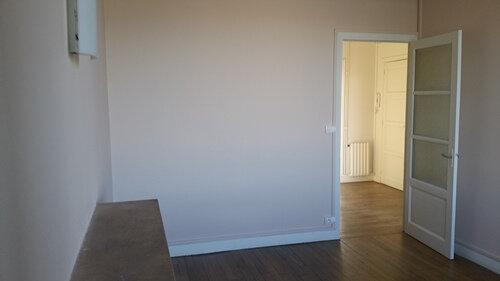 Appartement à louer 3 51m2 à Blois vignette-3