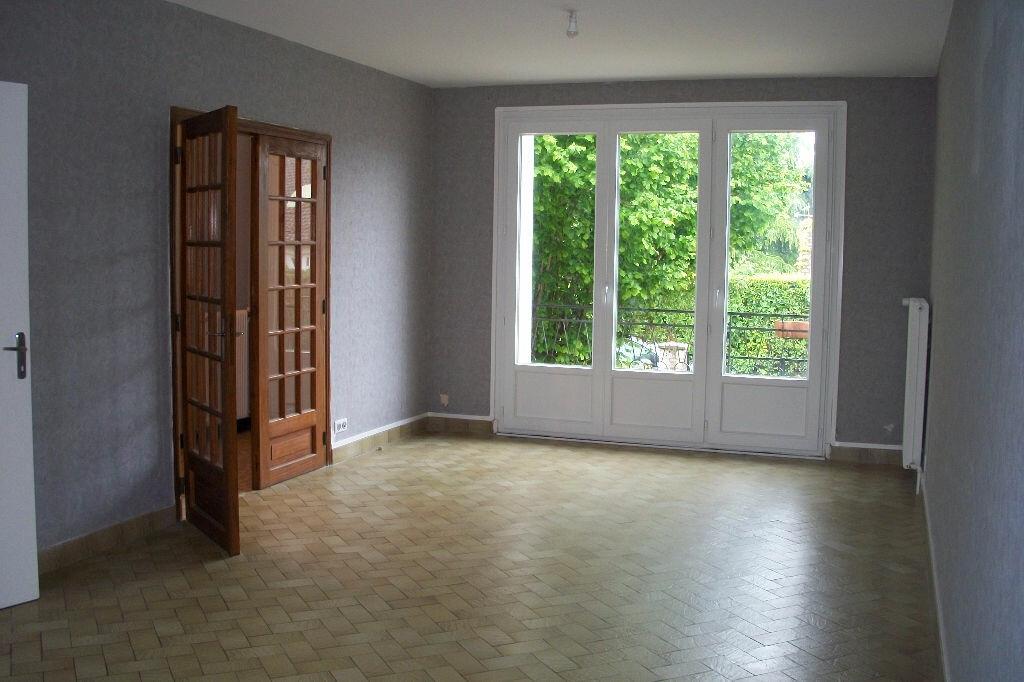 Maison à louer 4 105.18m2 à Mer vignette-6