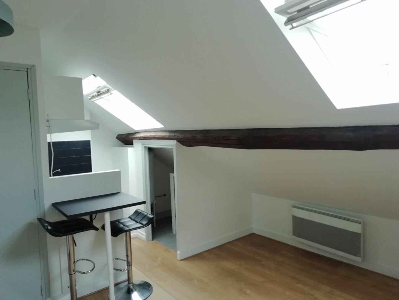 Appartement à louer 1 10.5m2 à Blois vignette-1