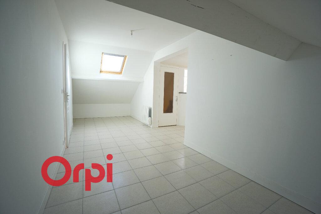 Appartement à louer 3 61.84m2 à Bernay vignette-2