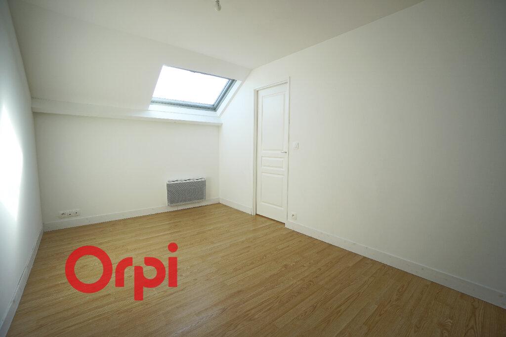 Appartement à louer 3 61.84m2 à Bernay vignette-4