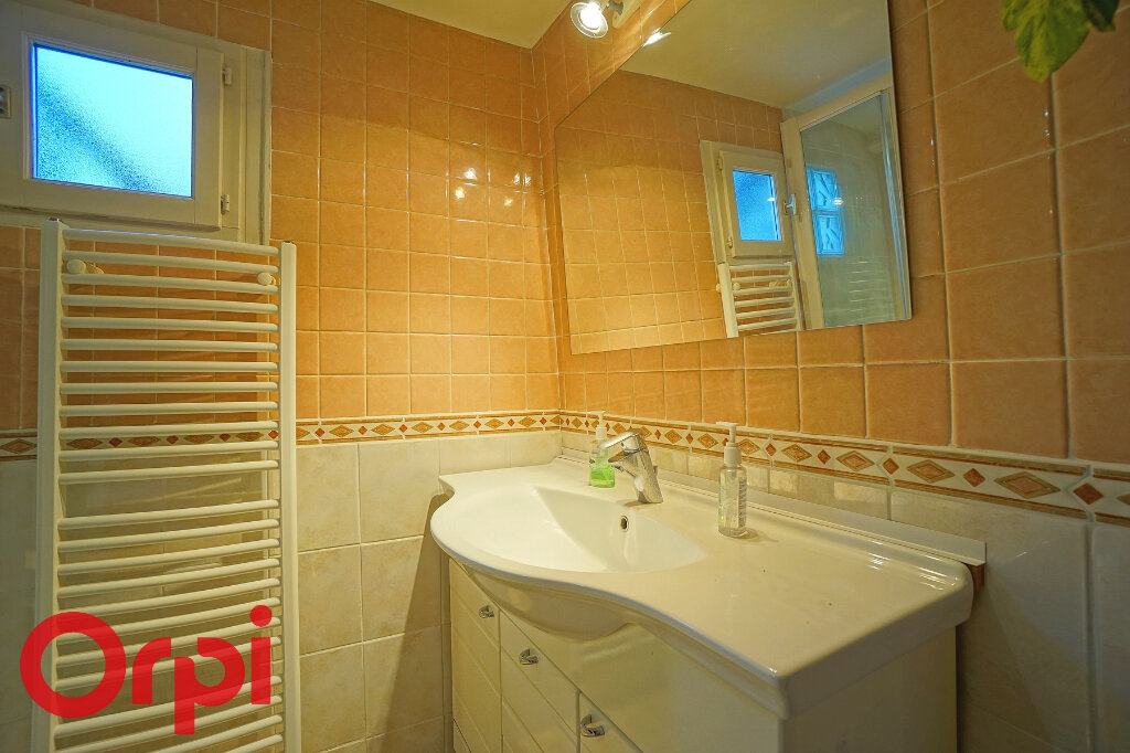 Maison à vendre 8 155m2 à Saint-Martin-du-Tilleul vignette-9