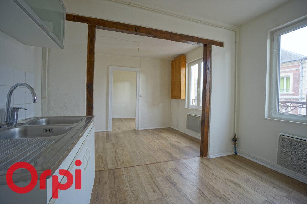 Appartement à louer 3 51.59m2 à Bernay vignette-1