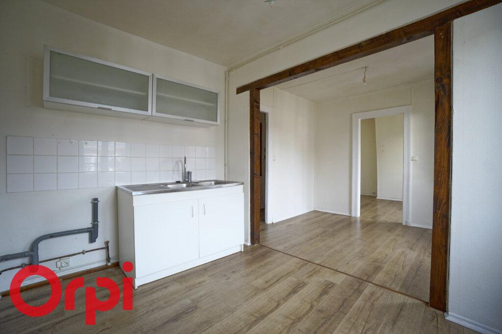 Appartement à louer 3 51.59m2 à Bernay vignette-2