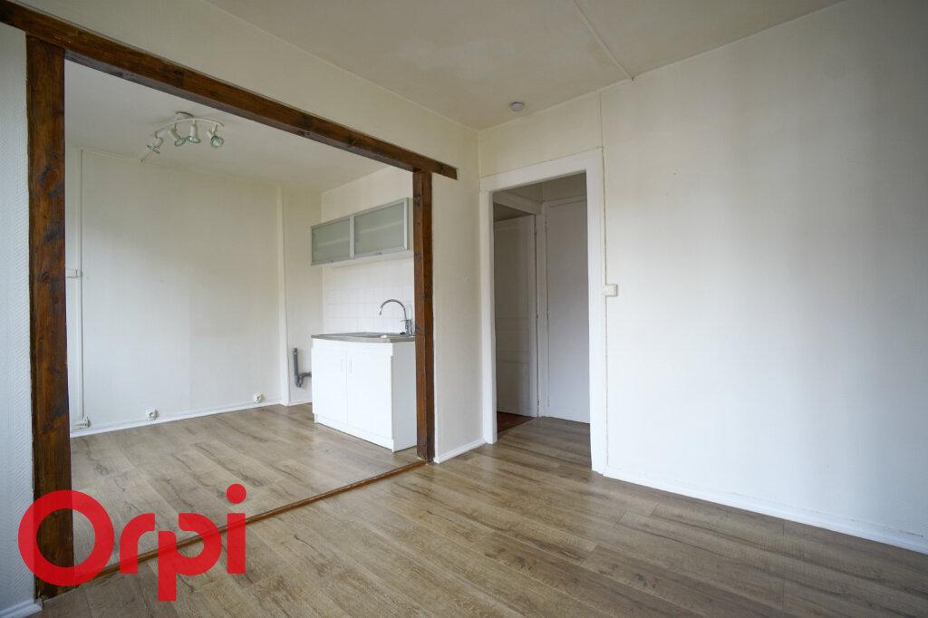 Appartement à louer 3 51.59m2 à Bernay vignette-5