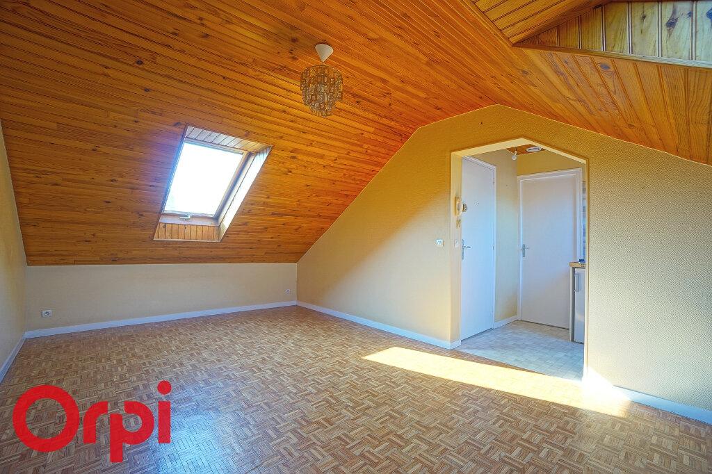 Appartement à louer 1 17.68m2 à Bernay vignette-1