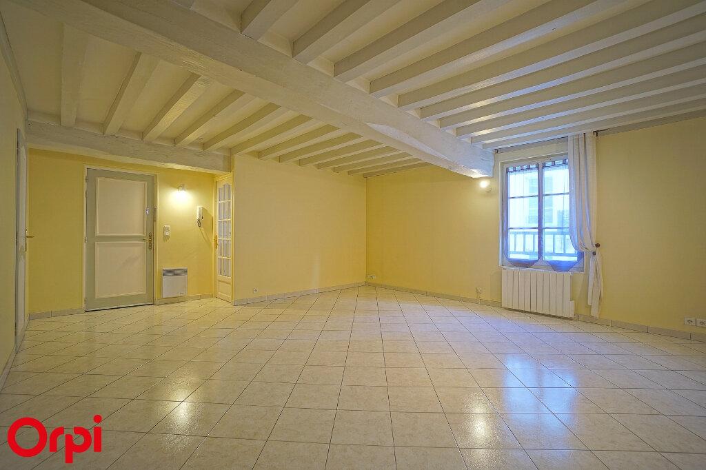 Appartement à louer 3 78.7m2 à Bernay vignette-1