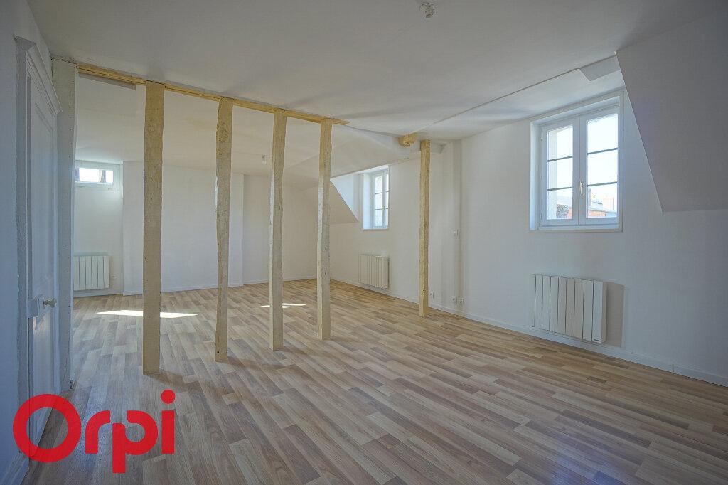 Appartement à louer 4 98.2m2 à Bernay vignette-3