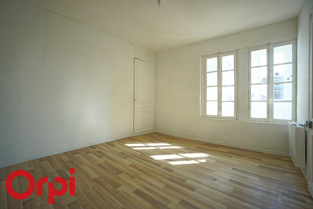 Appartement à louer 4 98.2m2 à Bernay vignette-5