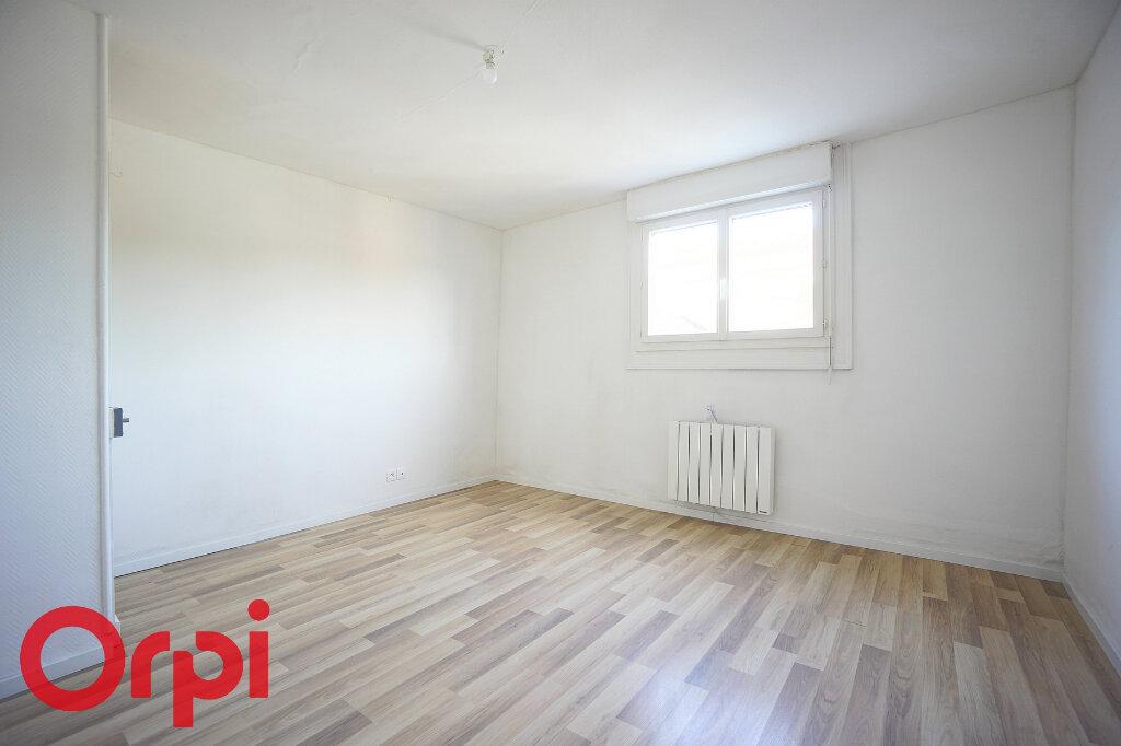 Appartement à louer 4 98.2m2 à Bernay vignette-8
