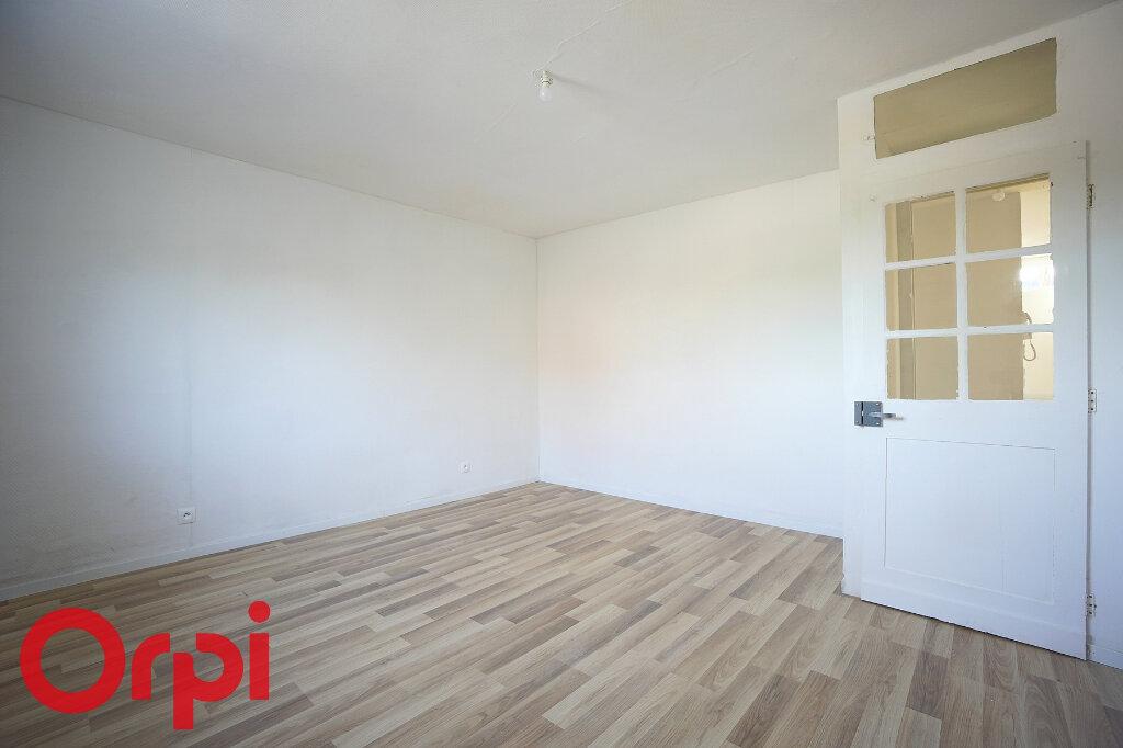 Appartement à louer 4 98.2m2 à Bernay vignette-10