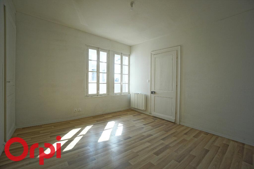 Appartement à louer 4 98.2m2 à Bernay vignette-11