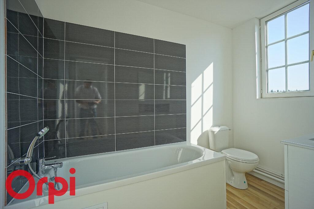 Appartement à louer 4 98.2m2 à Bernay vignette-15