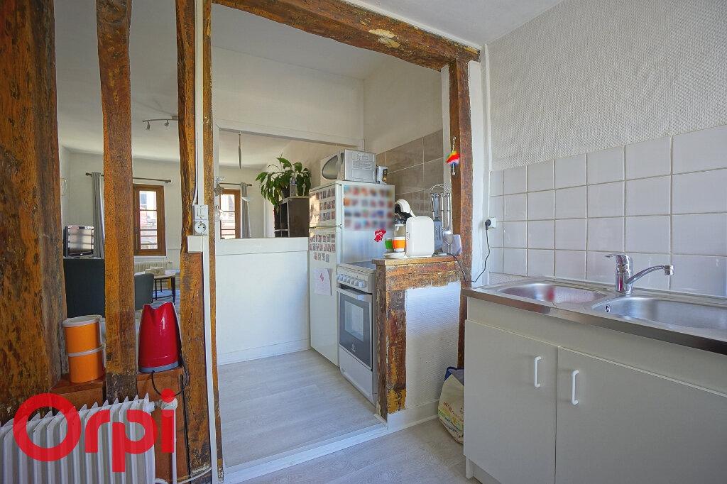 Appartement à louer 3 70.22m2 à Bernay vignette-3