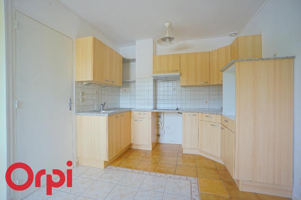 Appartement à louer 3 54.4m2 à Bernay vignette-2