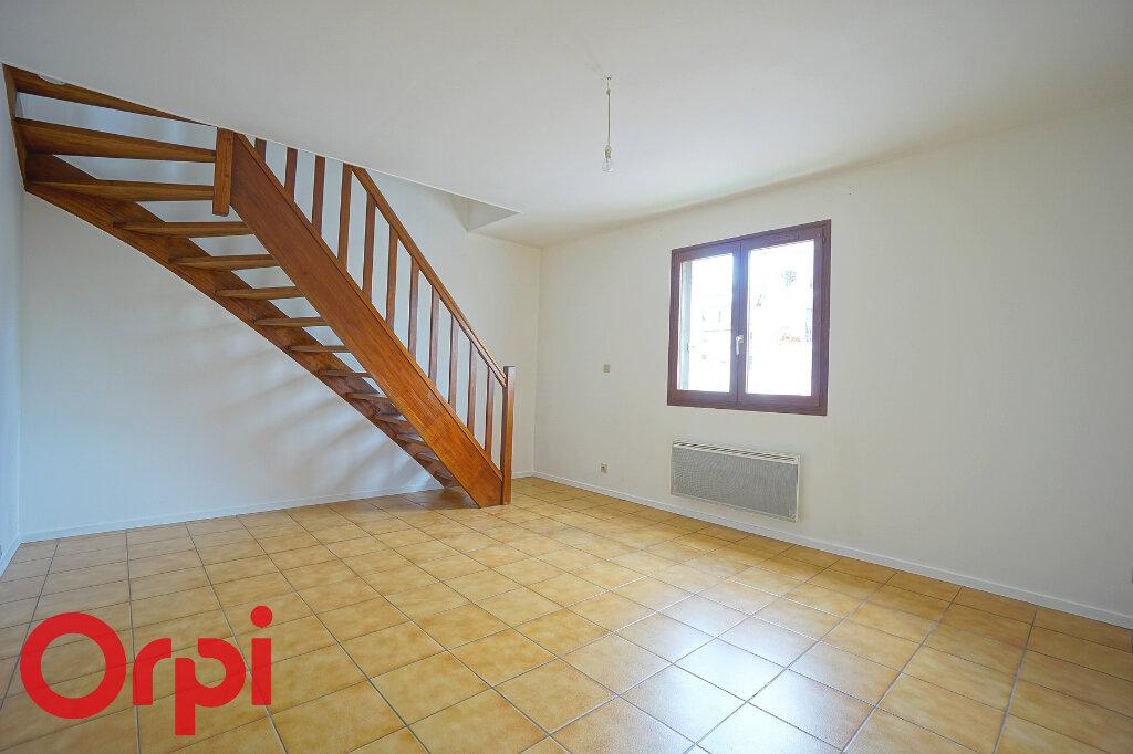 Appartement à louer 3 54.4m2 à Bernay vignette-3