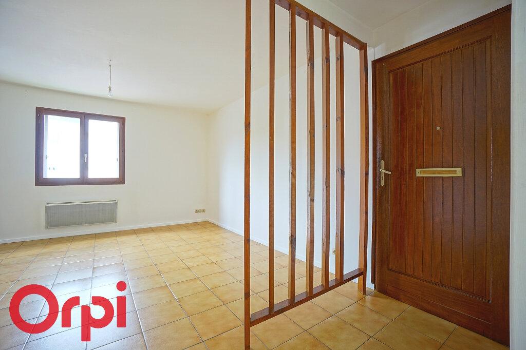 Appartement à louer 3 54.4m2 à Bernay vignette-7