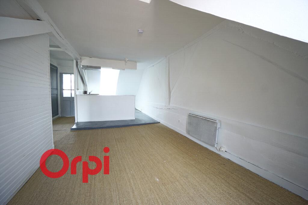 Appartement à louer 2 28.85m2 à Bernay vignette-2