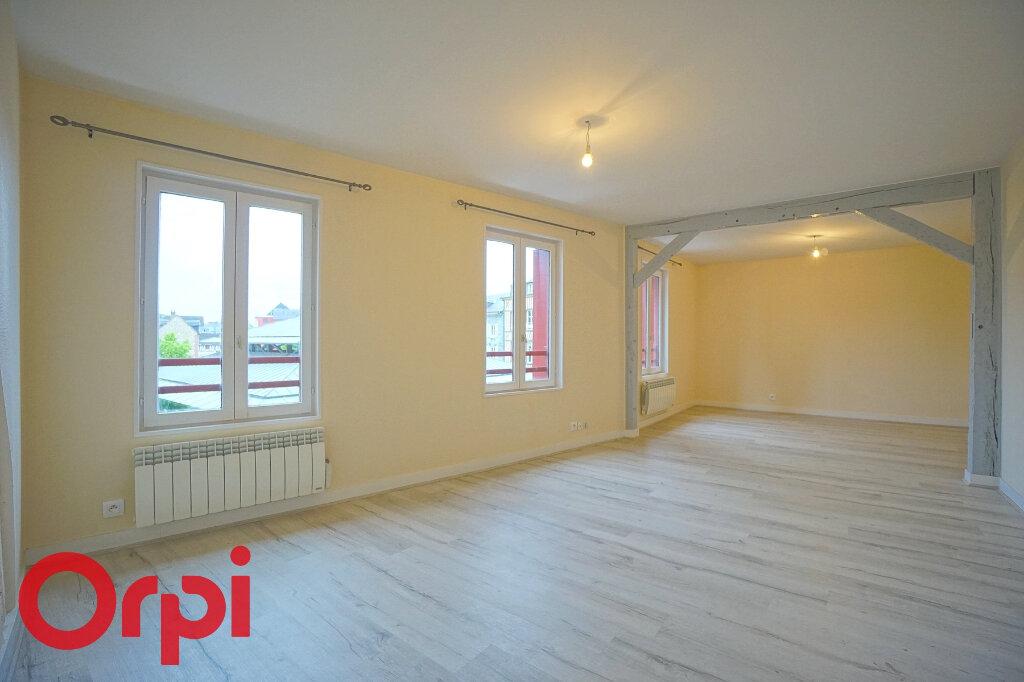 Appartement à louer 3 68.7m2 à Bernay vignette-1