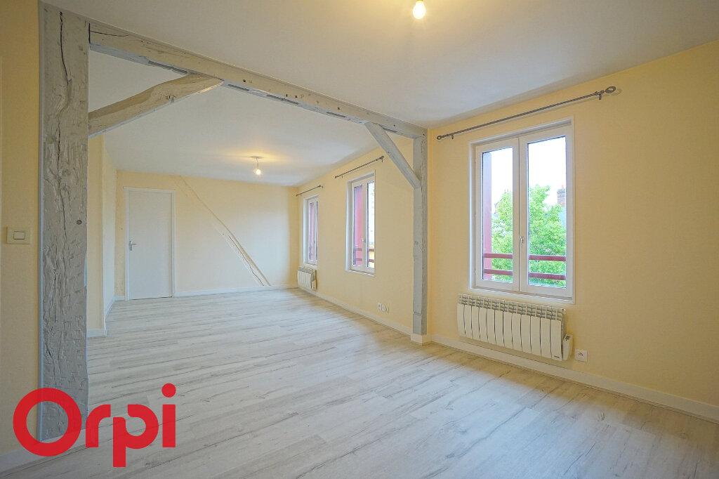 Appartement à louer 3 68.7m2 à Bernay vignette-2