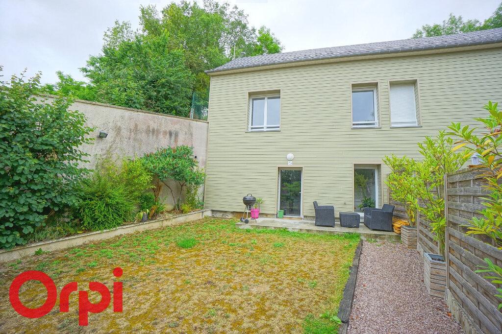 Maison à louer 3 65.46m2 à Beaumont-le-Roger vignette-1