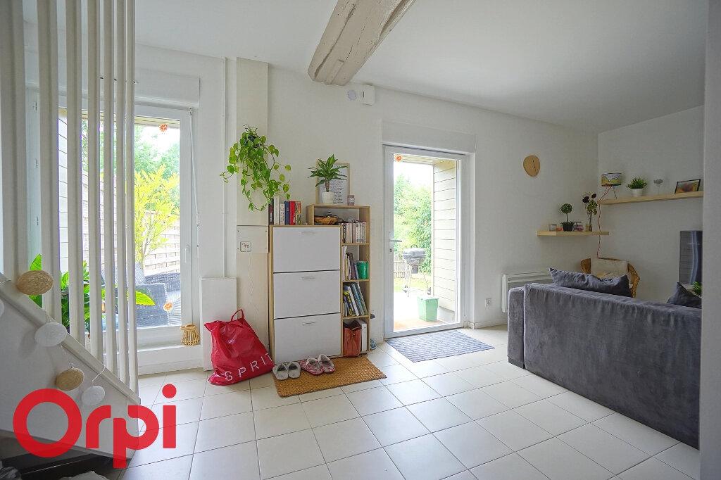 Maison à louer 3 65.46m2 à Beaumont-le-Roger vignette-6