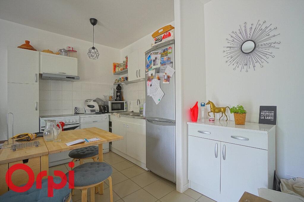 Maison à louer 3 65.46m2 à Beaumont-le-Roger vignette-7