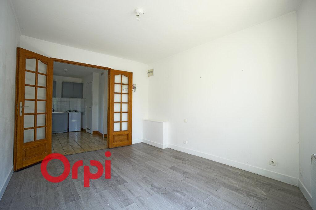 Appartement à louer 1 23.37m2 à Bernay vignette-1