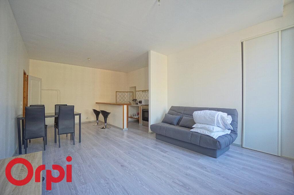 Appartement à louer 1 36.21m2 à Bernay vignette-2