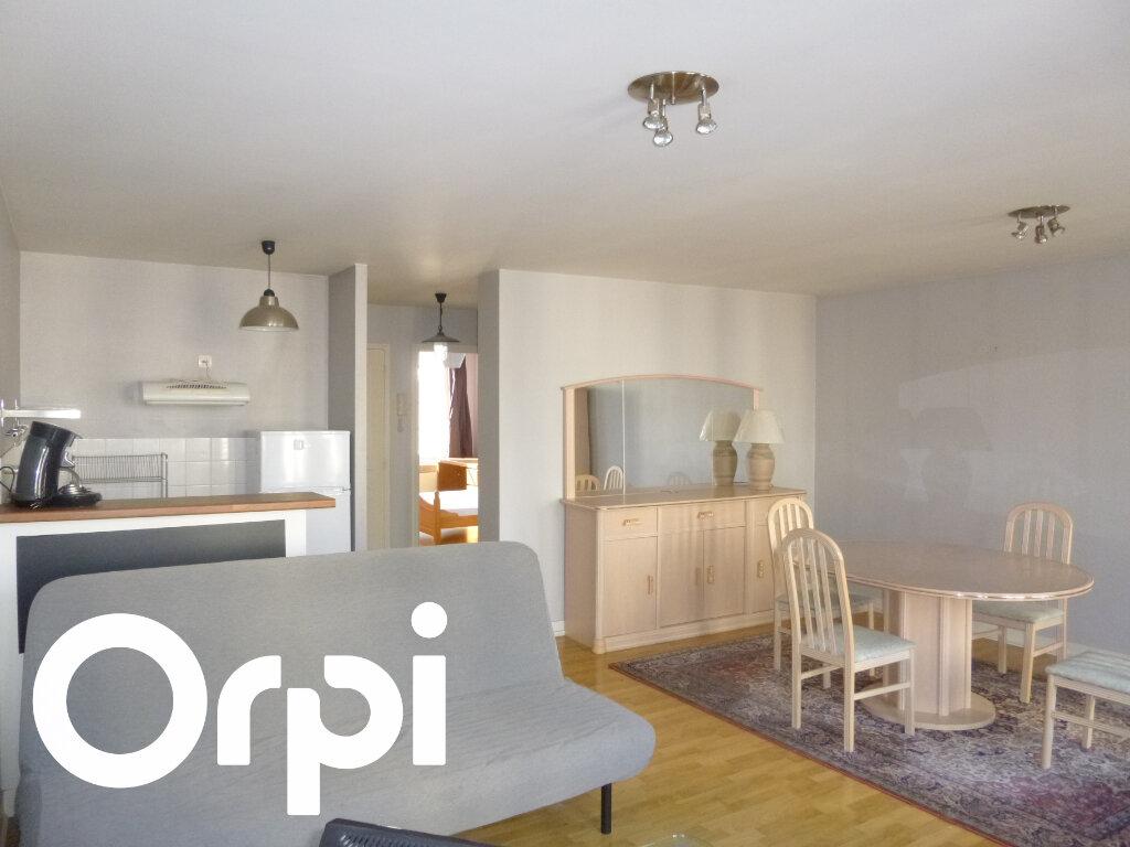 Appartement à louer 2 56m2 à Pont-Audemer vignette-2