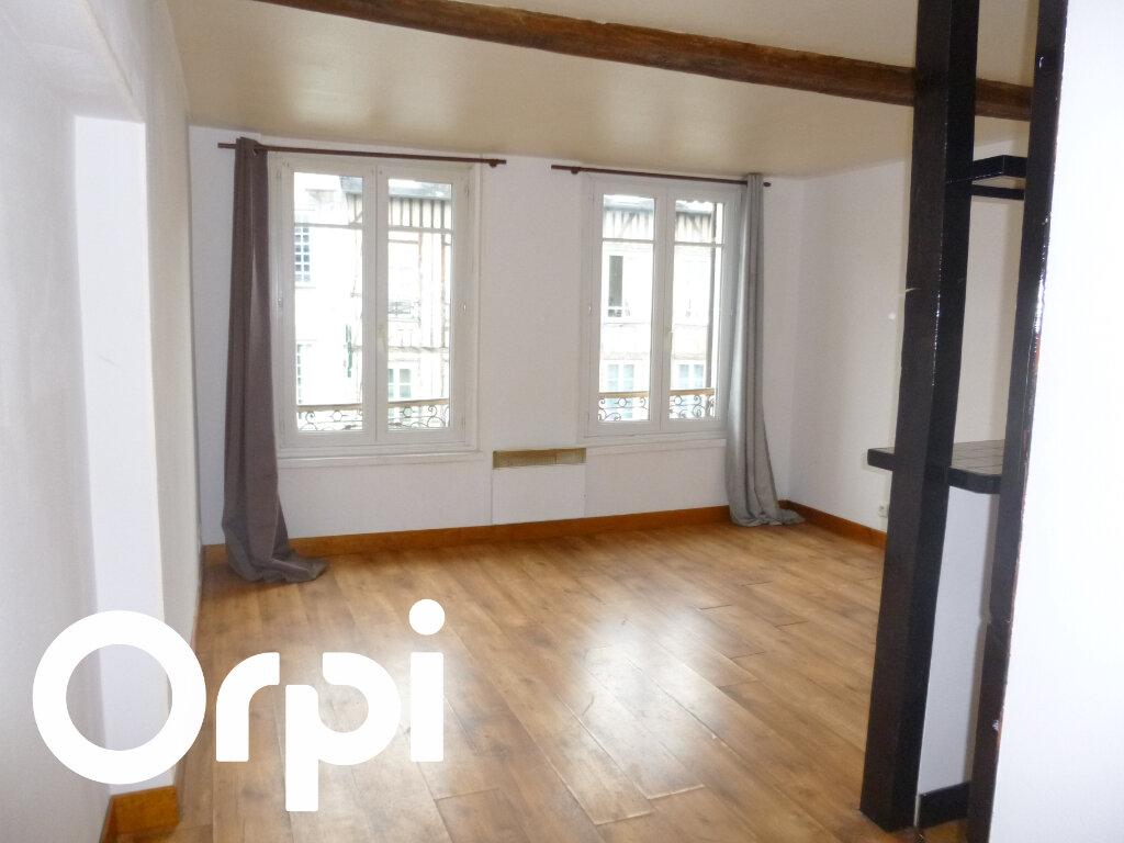 Appartement à louer 2 28m2 à Pont-Audemer vignette-1