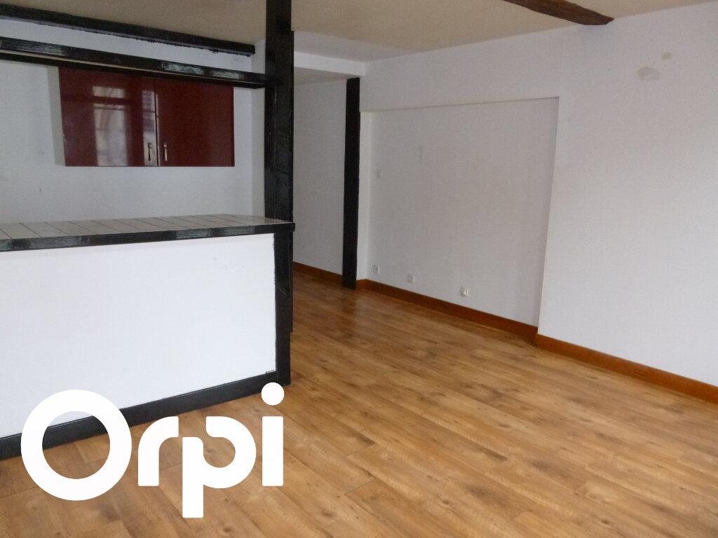 Appartement à louer 2 28m2 à Pont-Audemer vignette-2