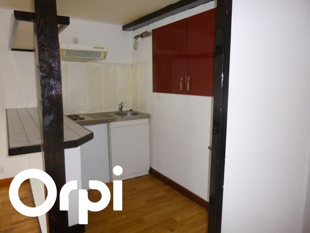 Appartement à louer 2 28m2 à Pont-Audemer vignette-3