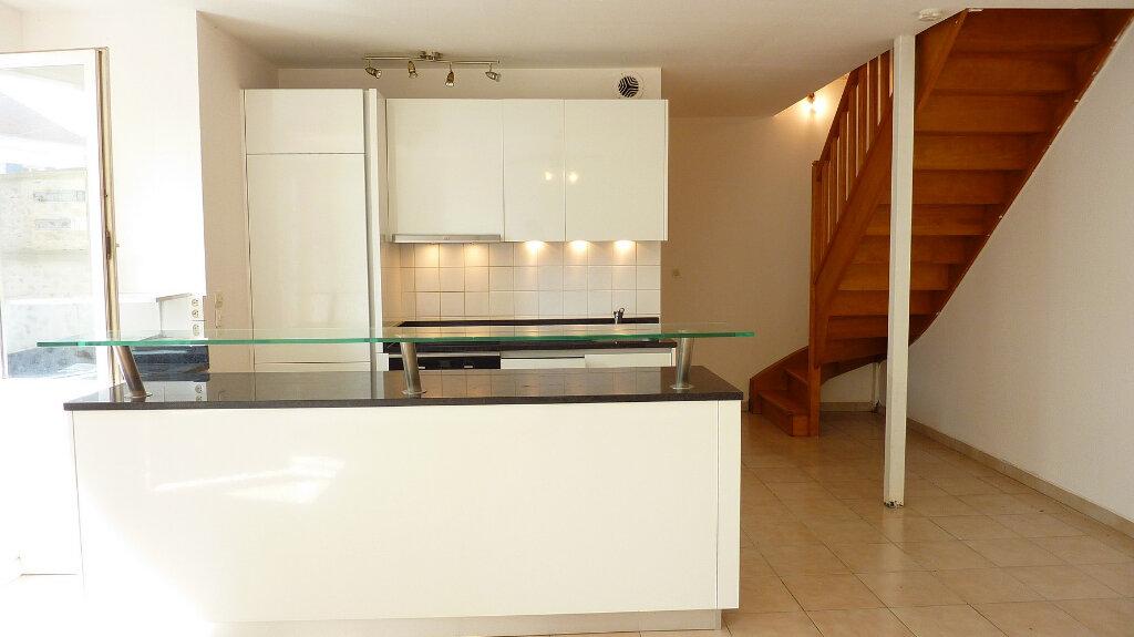 Appartement à vendre 3 57m2 à La Ferté-Gaucher vignette-3