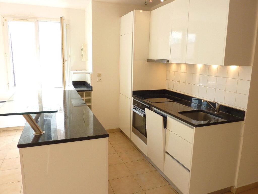 Appartement à vendre 3 57m2 à La Ferté-Gaucher vignette-4
